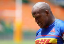 Bongi Mbonambi in action for Stormers